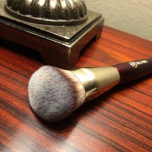 BK Beauty foundation brush 101